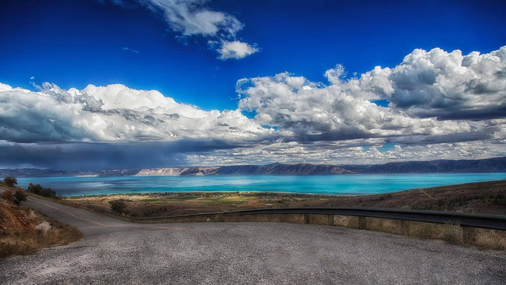 Best Places to Go in North America : Bear lake
