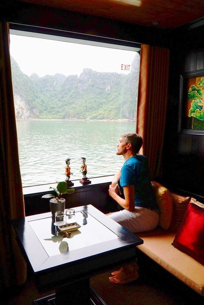 Window of Dragon Legend 2, a Top Bai Tu Long Bay Cruise
