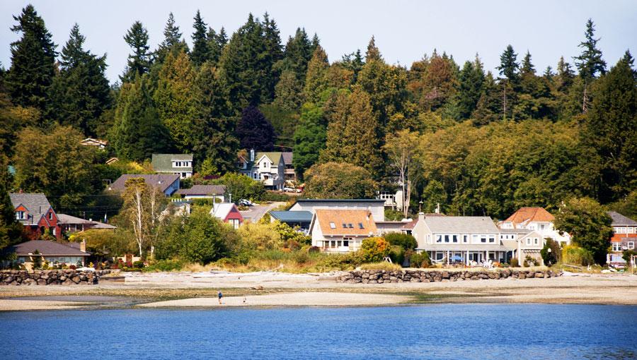 View of the bainbridge island and a blue sea