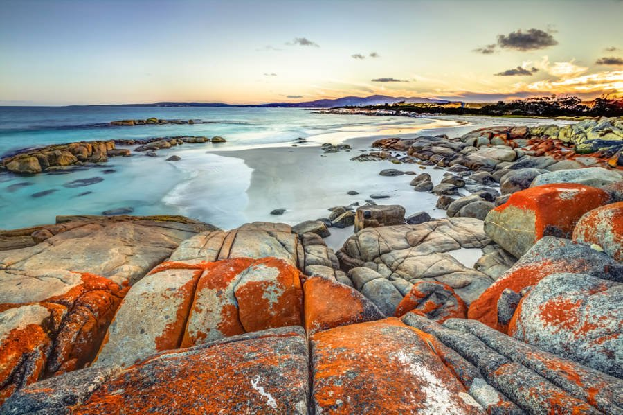 Bay of Fires, a stop on your Tasmania Itinerary