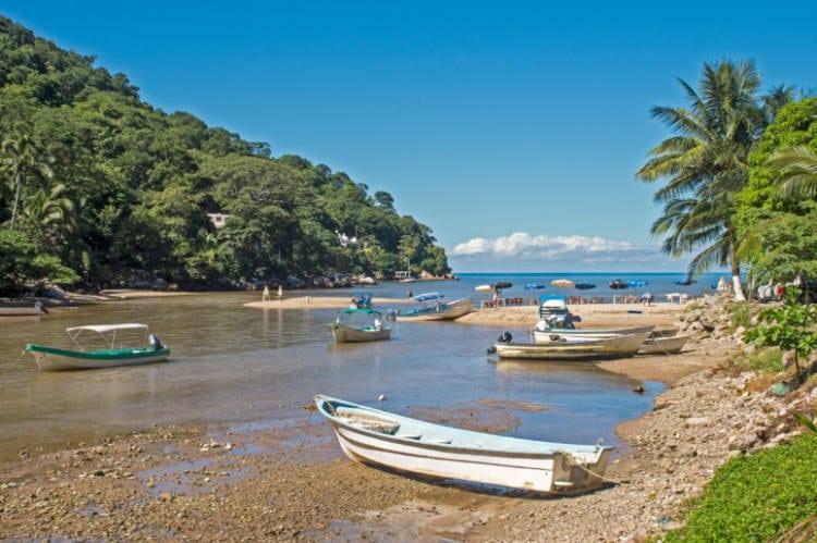 Boca de Tomatlan cove by Pacific Ocean near Puerto Vallarta, Mexico