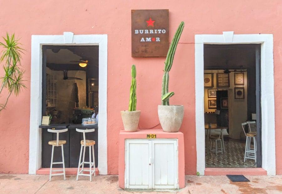 The exterior of Burrito Amor