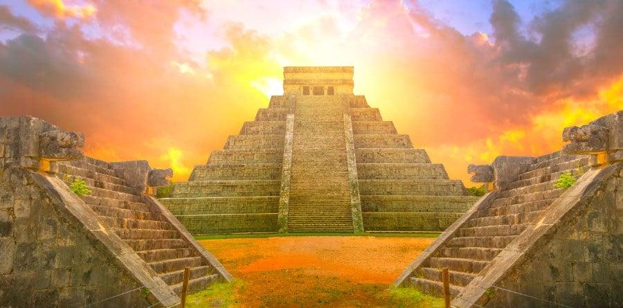 Chichen Itza vs Coba Mayan Ruins