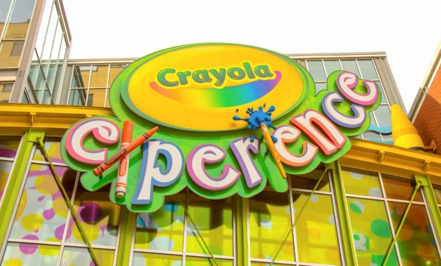 View of entrance sign at Orlando's Crayola Experience