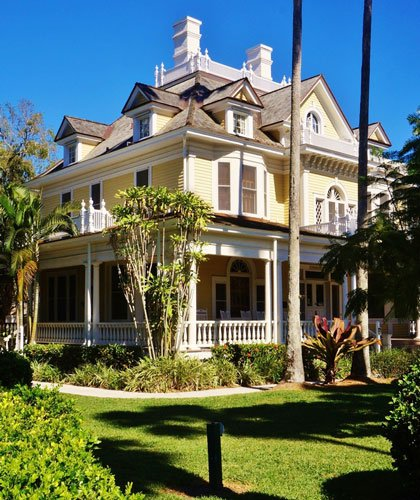 View of the Murphy Burroughs House from the outside at Fort Myers