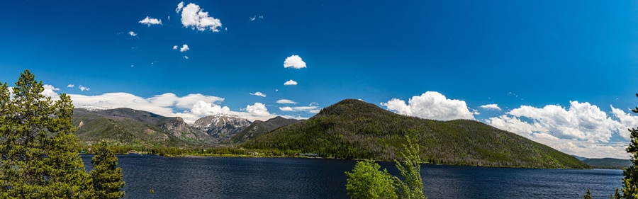 Panoramic view of the shadow mountain lake