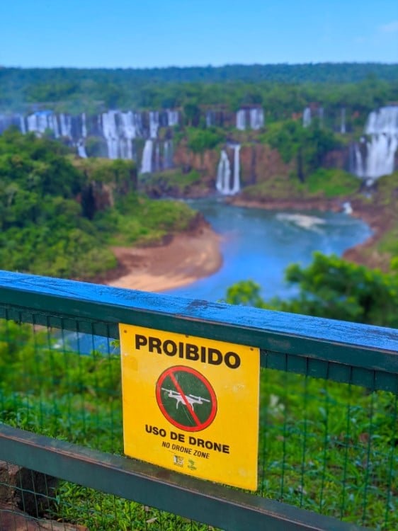 Are drones allowed in Igauzu Falls Brazil? This sign says no.