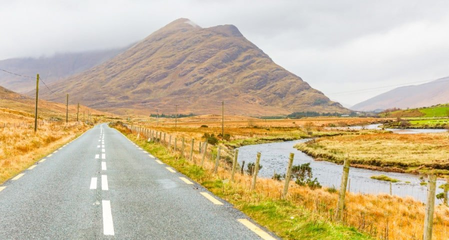 A road in Connemara