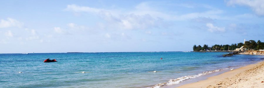 Panoramic view of the blue water in Isla Verde