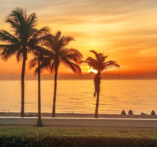 View of the Las Olas Beach and the sunrise