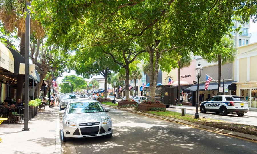 View of the Las Olas Blvd and some cars on the street