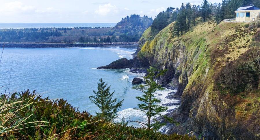 View of cliffs in long beach peninsula
