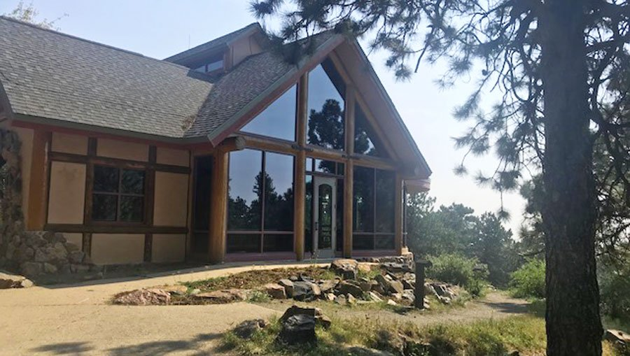 View of the Lookout Mountain Nature Center from the outside
