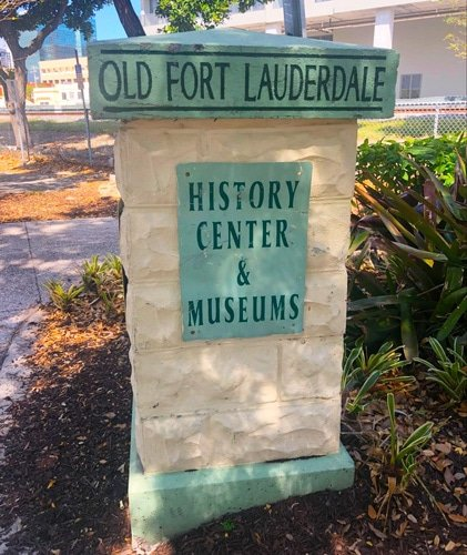 View of the old fort lauderdale rock signage