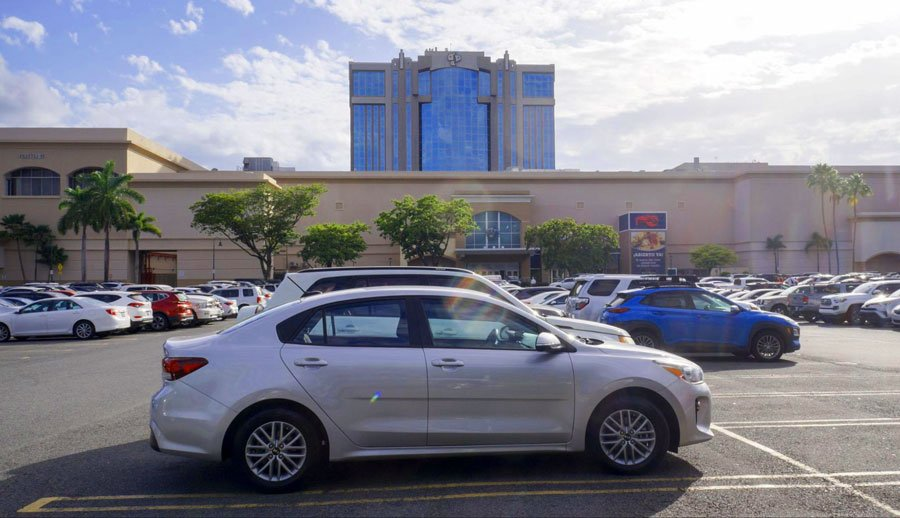 View of car parked outside the Plaza Las Americas