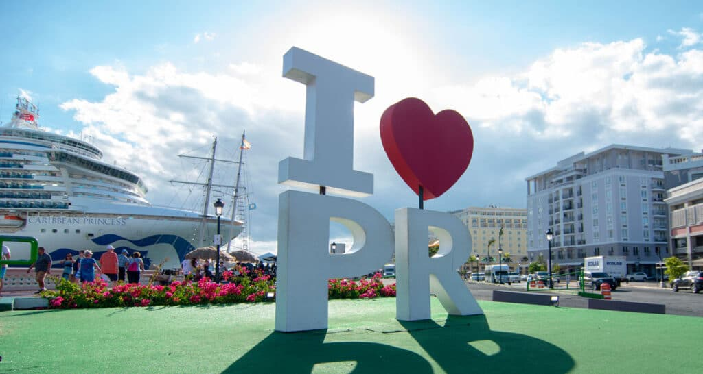 """The """"I Love PR"""" stands in cruise ship port in Puerto Rico"""