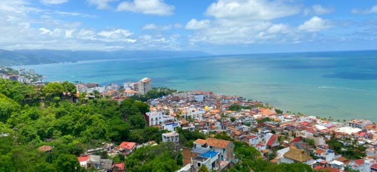 Panoramic photo of the Romantic Zone and the sea in Puerto Vallarta