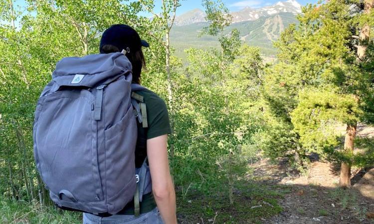 The author modeling the Salkan Backpacker bag