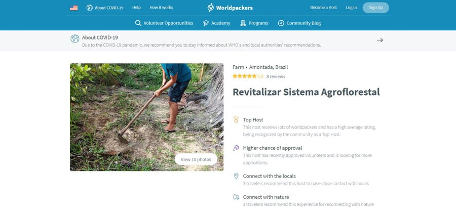 View of a man doing gardening work in Worldpackers website