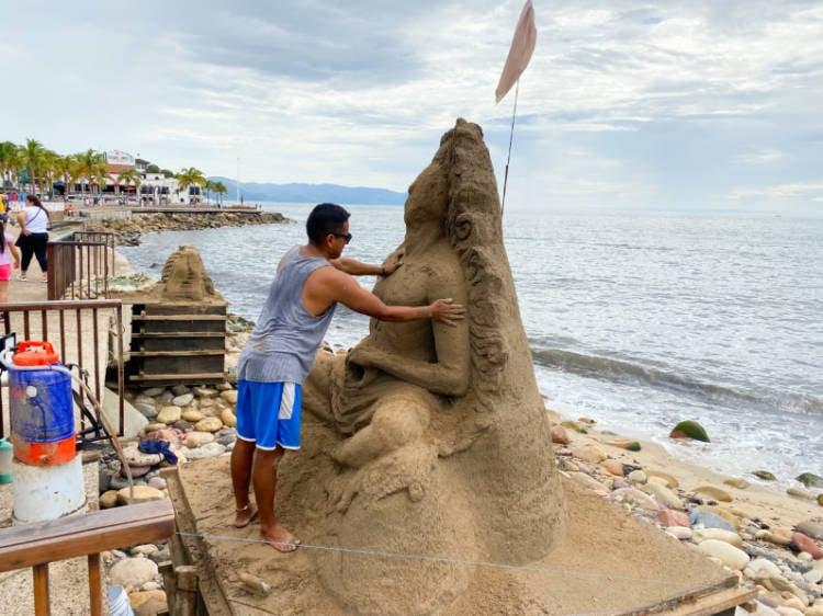 artist, making sand sculpture on the Malecon of Puerto Vallarta
